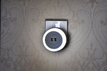 Soft Light 1W Auto Sensor Adjustable Night Light Dengan Ganda USB Wall Plate Charger
